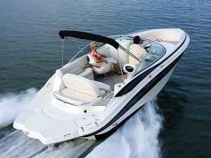 Приятные прогулки на лодке вдвоём